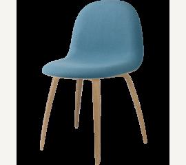GUBI 3D poločalouněný sedák, dřevěná podnož